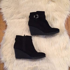 Lack Suede Ankle Heel Boots
